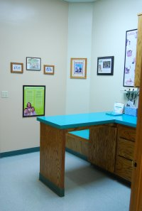resized_200x297_hospital_exam_room